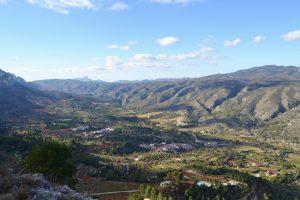 La_Vall_de_Gallinera_des_del_mirador_del_Xap,_País_Valencià